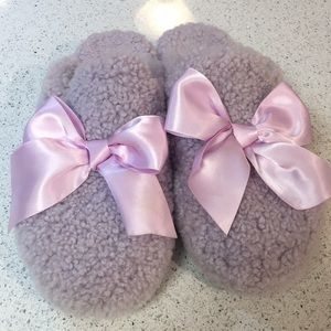 Ugg comfy slippers purple